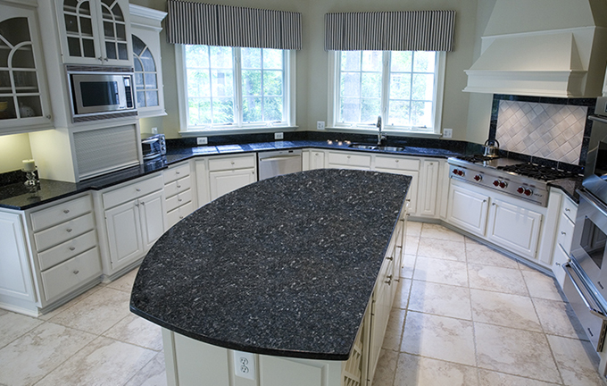 Blue pearl granite kitchen countertops design ideas for Blue countertops kitchen ideas