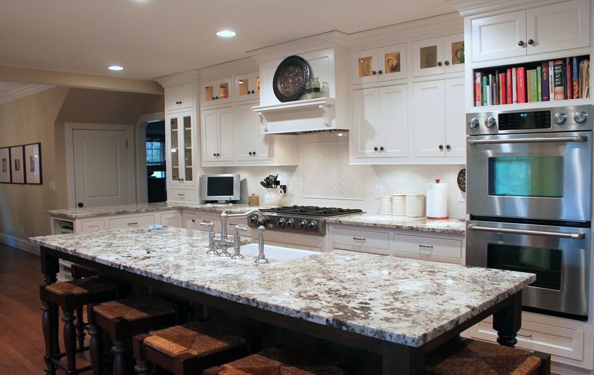 Delicatus white granite countertops design ideas Granite kitchen design ideas