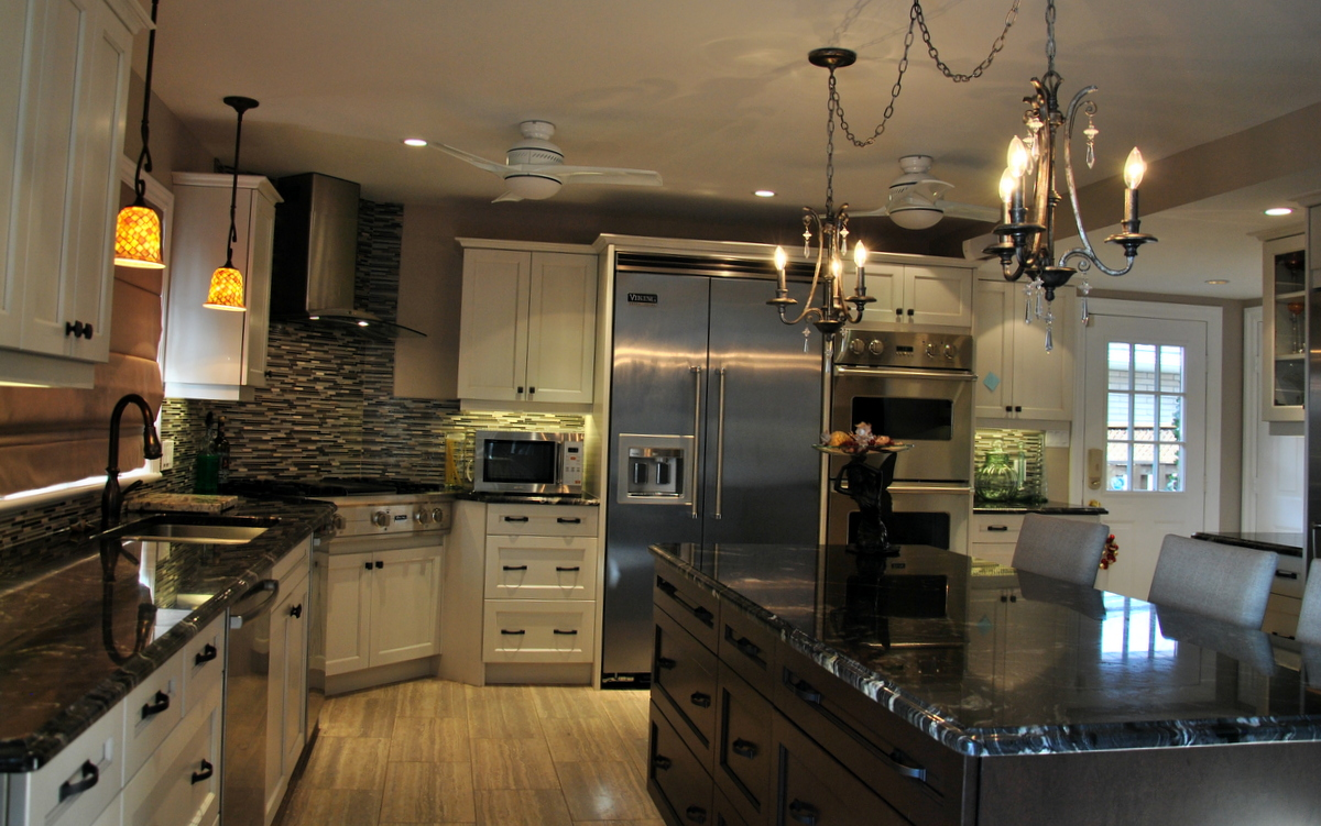 Cosmic Black Granite Countertop Kitchen Design Ideas