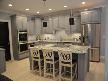 Viscount White Granite Countertops – Backsplash – Cabinets