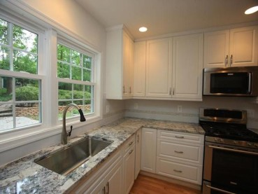 White Ice Granite White Cabinet Backsplash Ideas