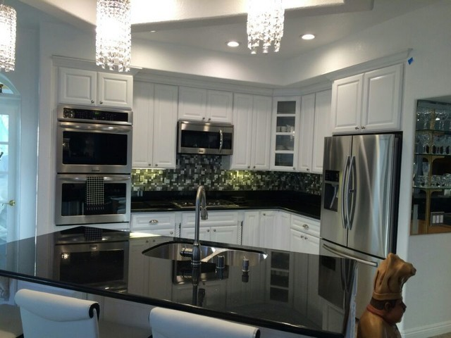 Cute Room Decor Ideas, Black Galaxy Granite White Cabinets Backsplash Ideas