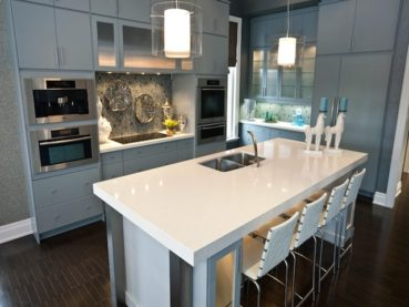 Top 13 White Quartz Kitchen Countertops