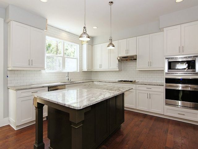 Glacier white granite kitchen countertops design ideas Granite kitchen design ideas