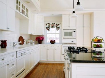 White Shaker Kitchen Cabinets White Countertops